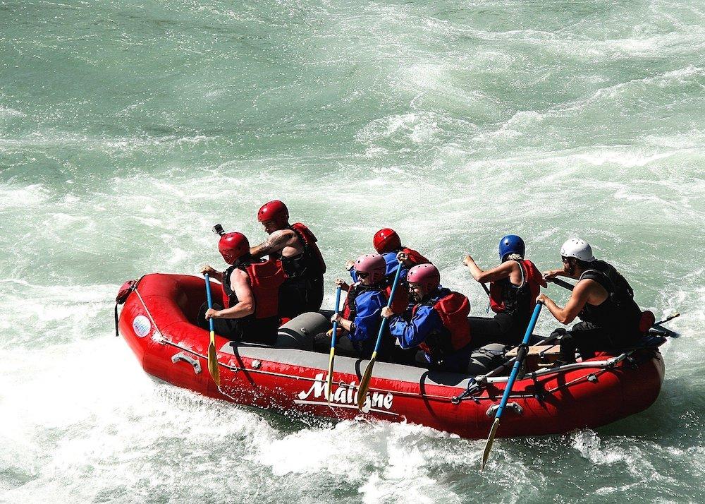 Team Rafting